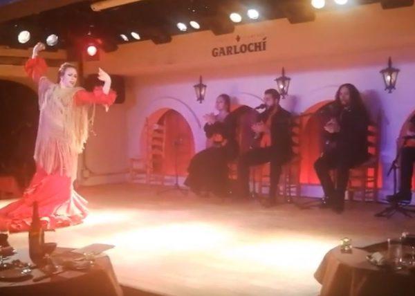 Irene La Sentío en el Tablao Flamenco Garlochí de Tokio.